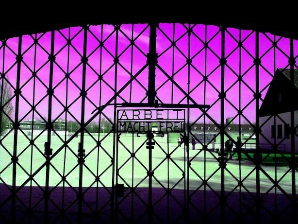 Tor Gedenkstätte Dachau -  Arbeit macht Frei - Entry Gate memorial Site Dachau